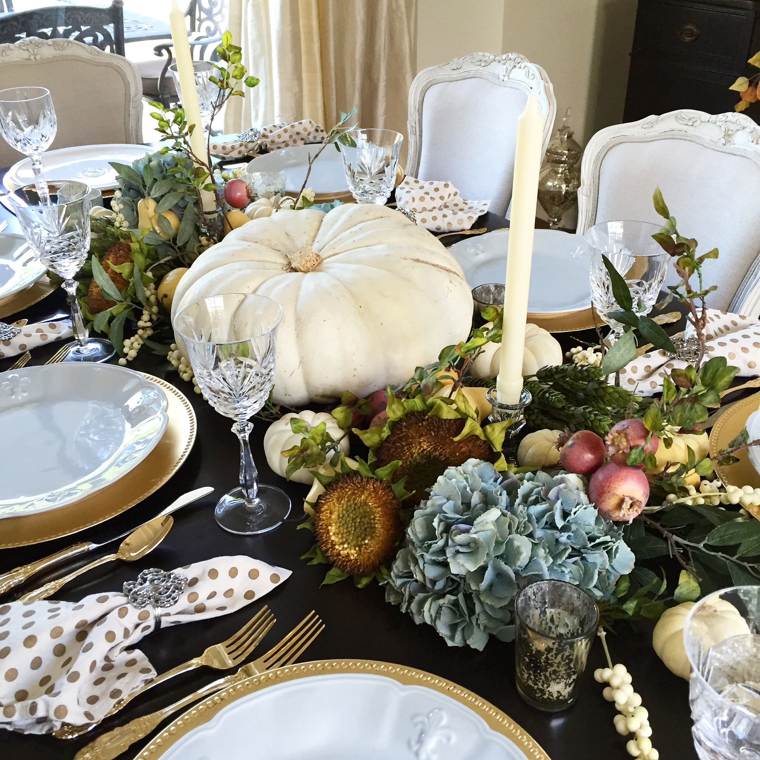 Randi Garrett Design simple, elegant thanksgiving tablescape