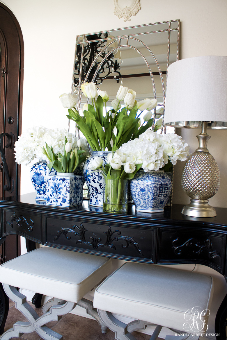 Spring decorating with fresh and faux flowers for Decorating with blue and white pottery
