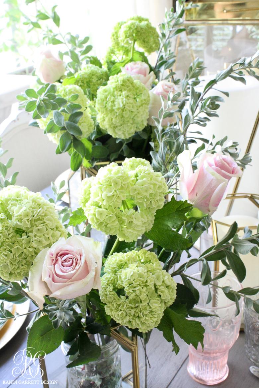 Easy floral arrangement for Mother's Day by Randi Garrett Design