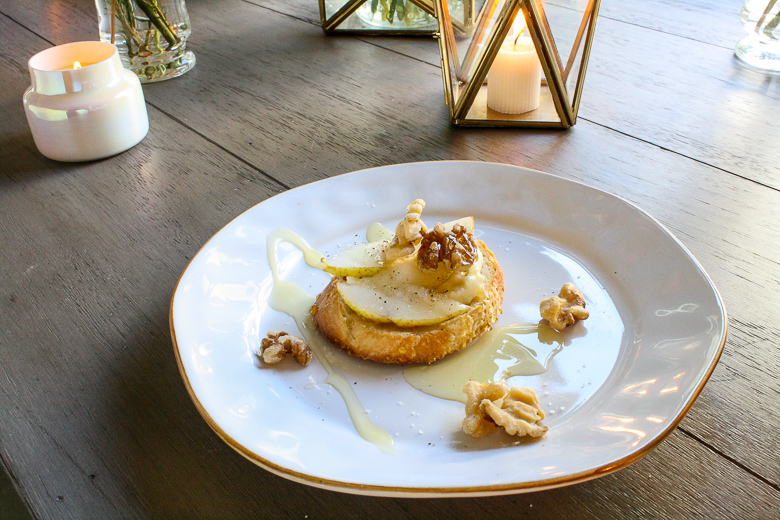 Pear crostini on Cantaria Skyros Design salad plate
