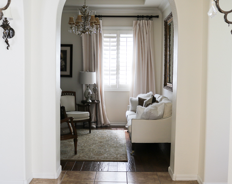 lighten a room for summer by changing our pillows and rugs
