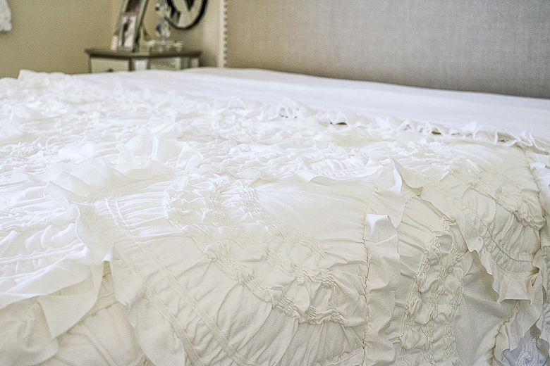 How to make your bed like a luxury hotel by Randi Garrett Design