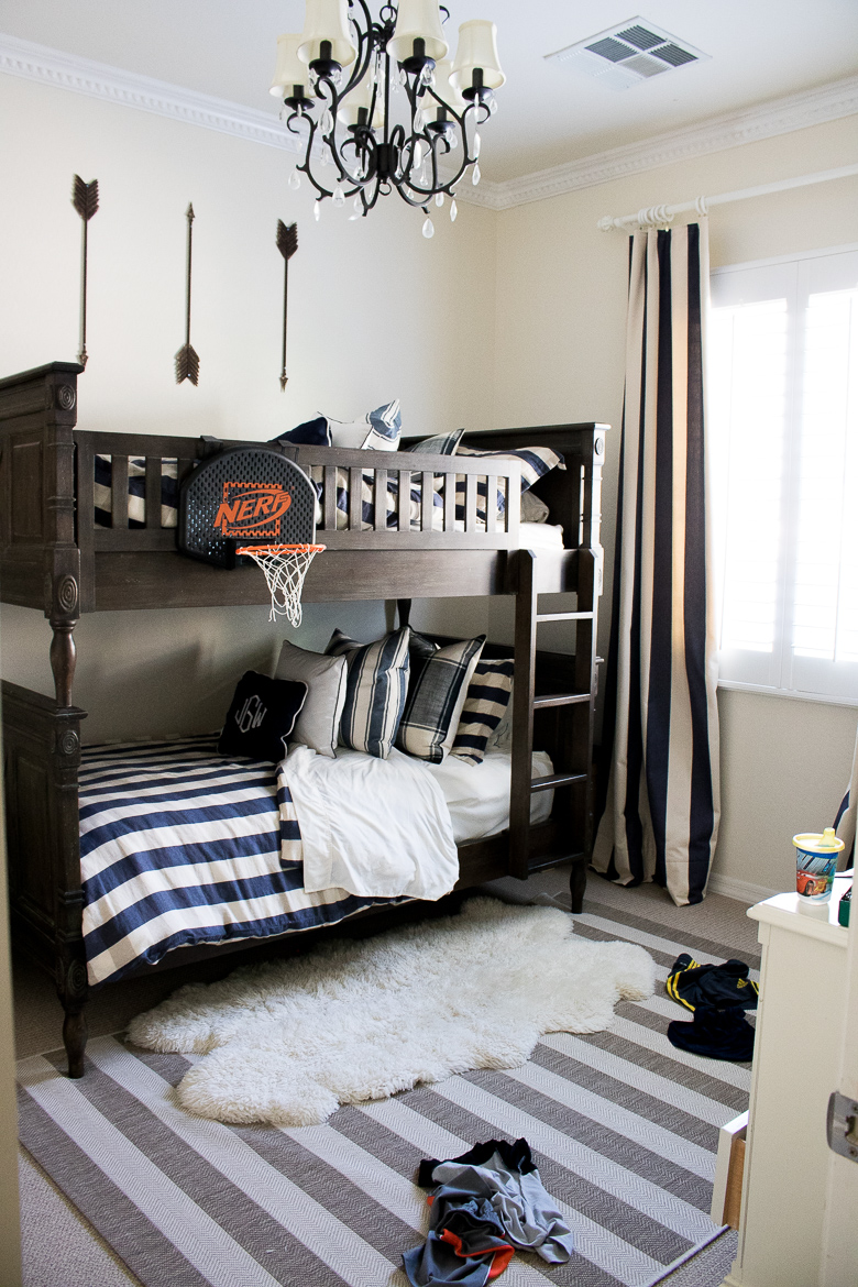 Boys bedroom with bunkbed