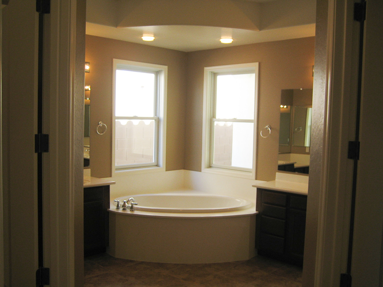 Elegant master bathroom remodel tour for Elegant master bathrooms pictures
