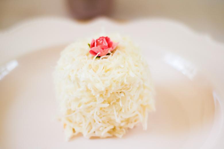 Mini Coconut Lemon Cake