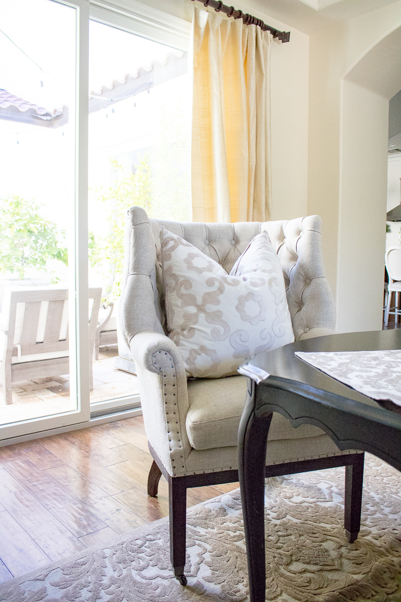 Tufted dining room head chairs