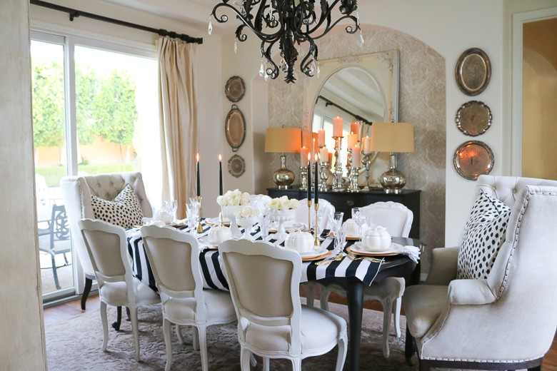 elegant-black-and-white-halloween-table