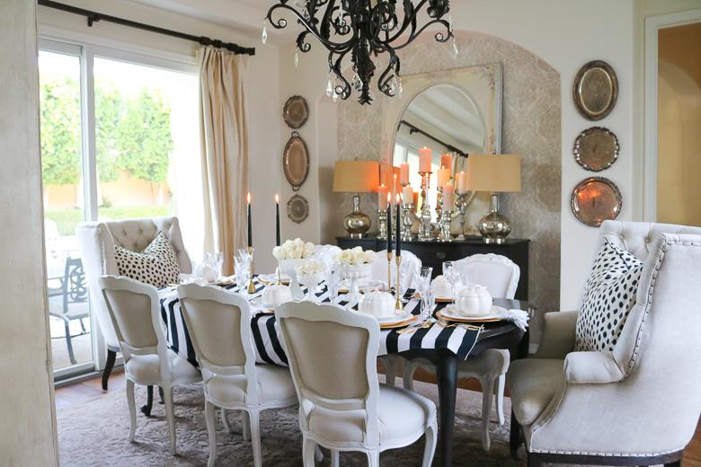 elegant-black-and-white-halloween-table