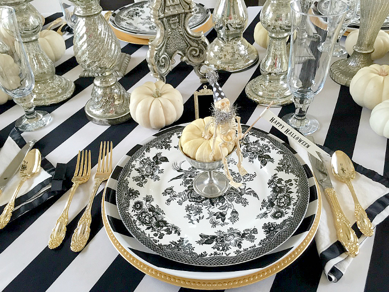 20 ways to decorate for halloween halloween home tour - Halloween Place Settings