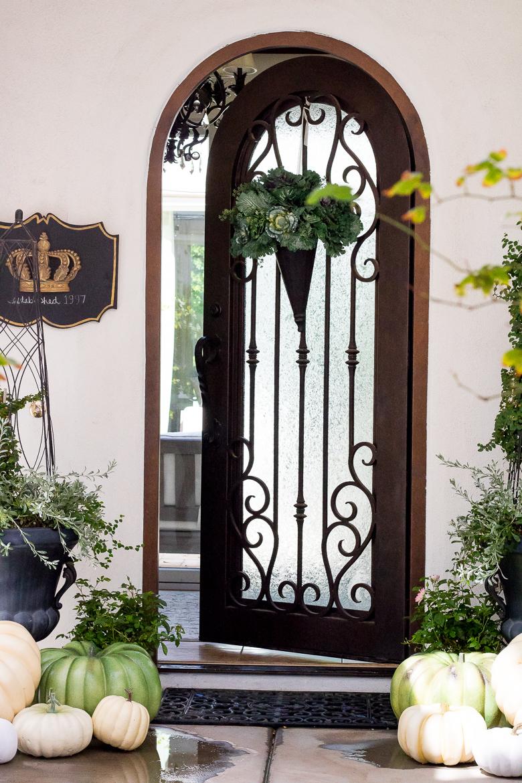 Elegant Fall front porch - fall decorating tips