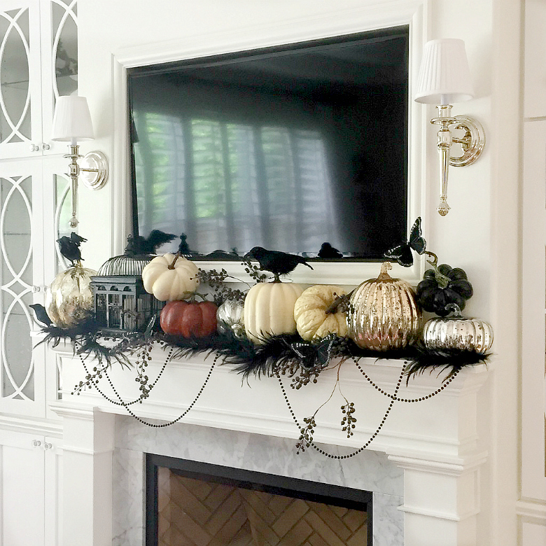 halloween-mantle-idea-with-crows-and-pumpkins
