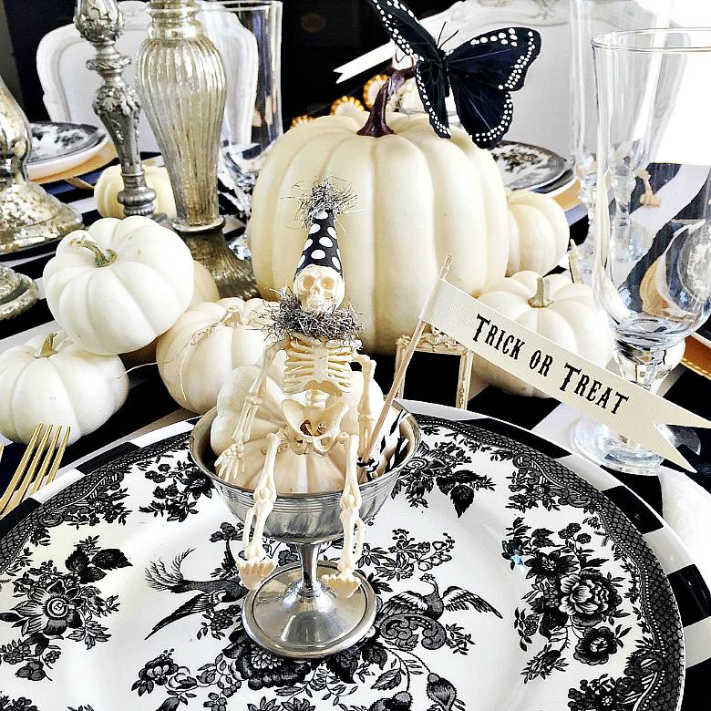 mini-party-skeleton-halloween-table