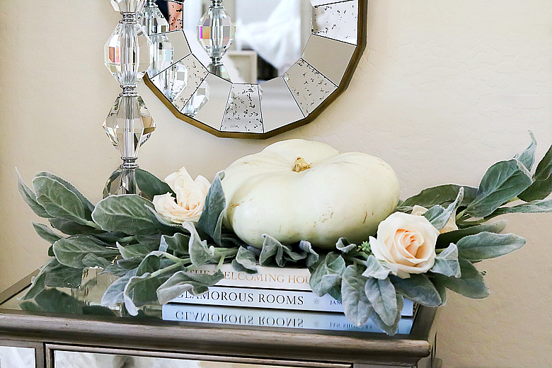 white-pumpkin-and-roses-in-a-luxurious-fall-master