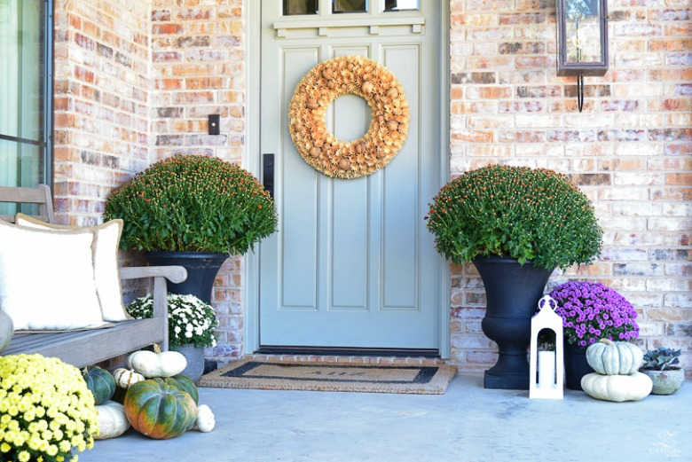 Fall Front Porch Flowers Mums Black Planters