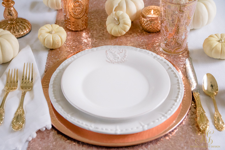 Your child can use this empty place setting as their canvas to draw and color a delicious Thanksgiving meal.