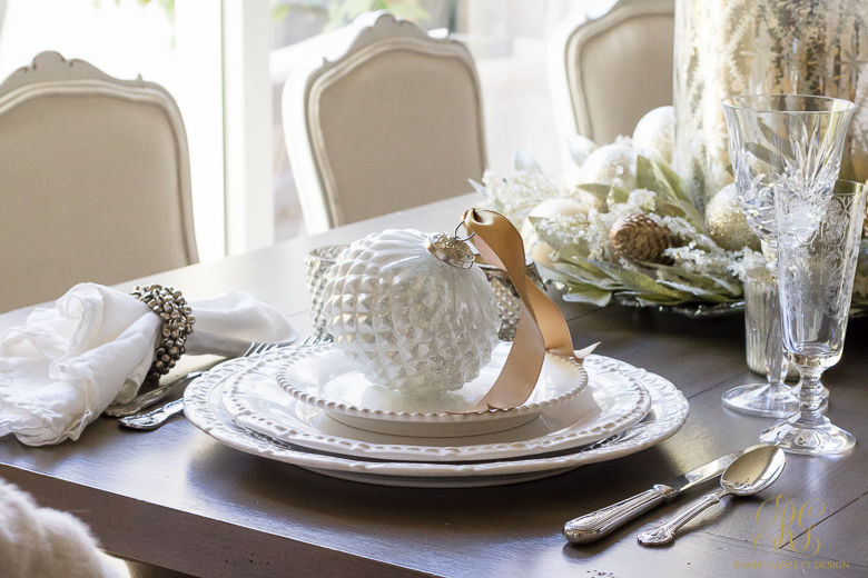 christmas-placesetting-with-silver-bells