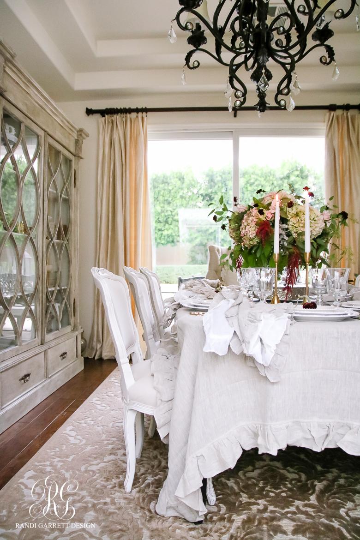 elegant-thanksgiving-table-lily-pom-pom-at-home-tablecloth