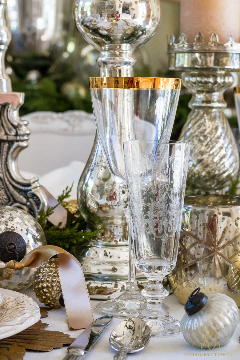 elegant-silver-and-gold-place-setting-for-christmas