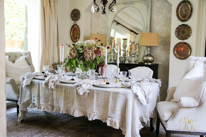 moody-thanksgiving-table