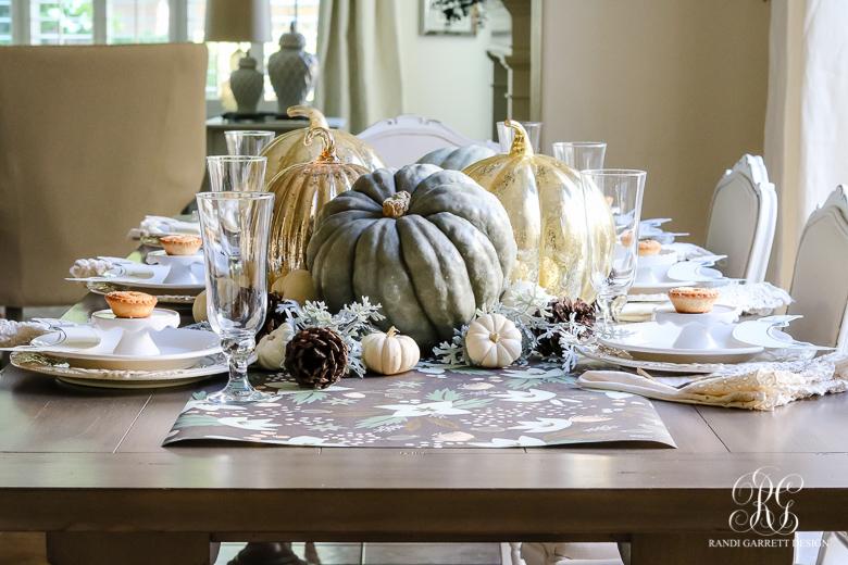beautiful-kids-thanksgiving-table