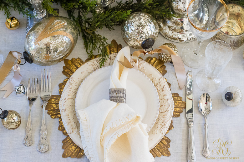 silver-and-gold-christmas-place-setting
