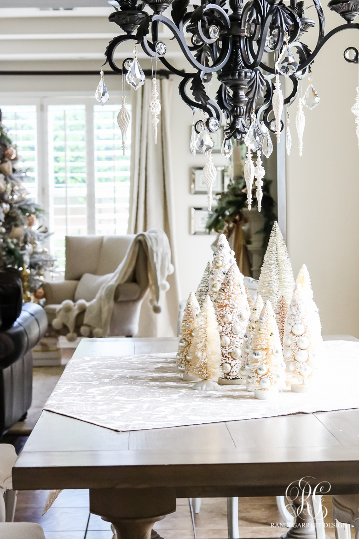 bottle-brush-christmas-table-centerpiece