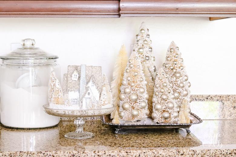 Bottle Brush Christmas Tree Vignette
