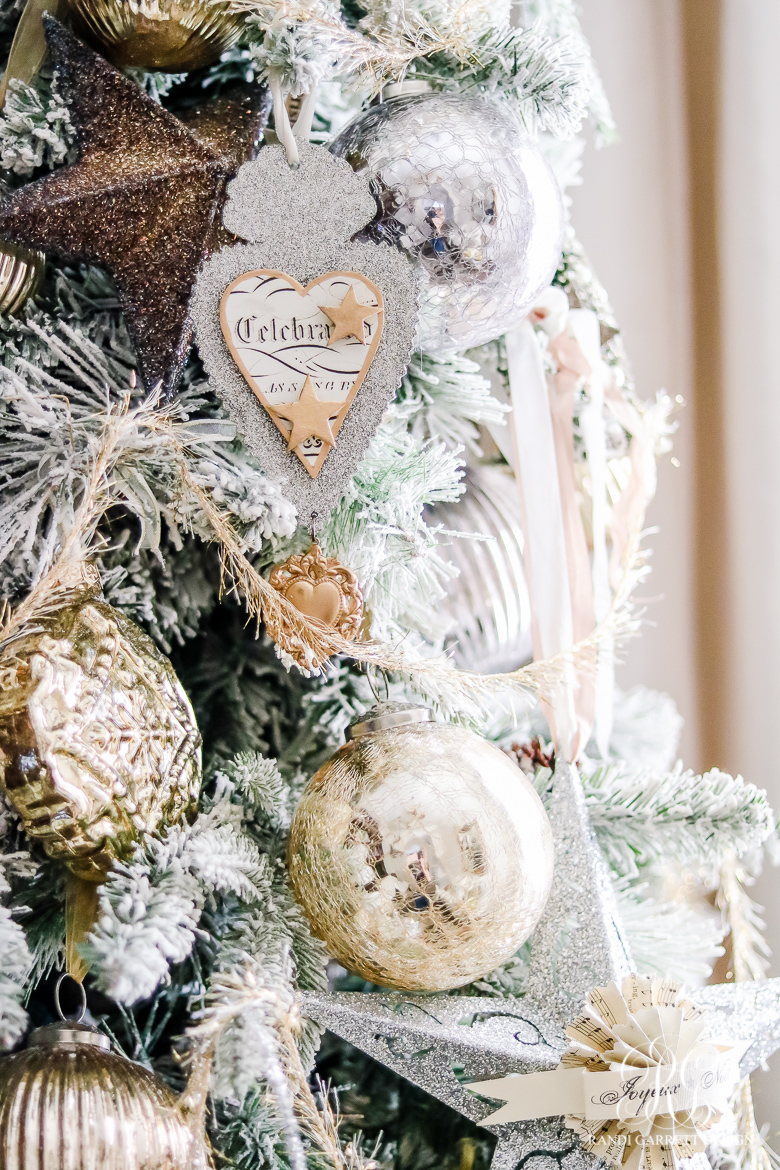 chirstmas-home-tour-christmas-tree-details-2