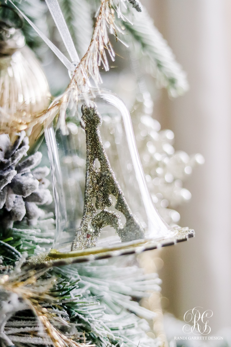 chirstmas-home-tour-christmas-tree-details-4