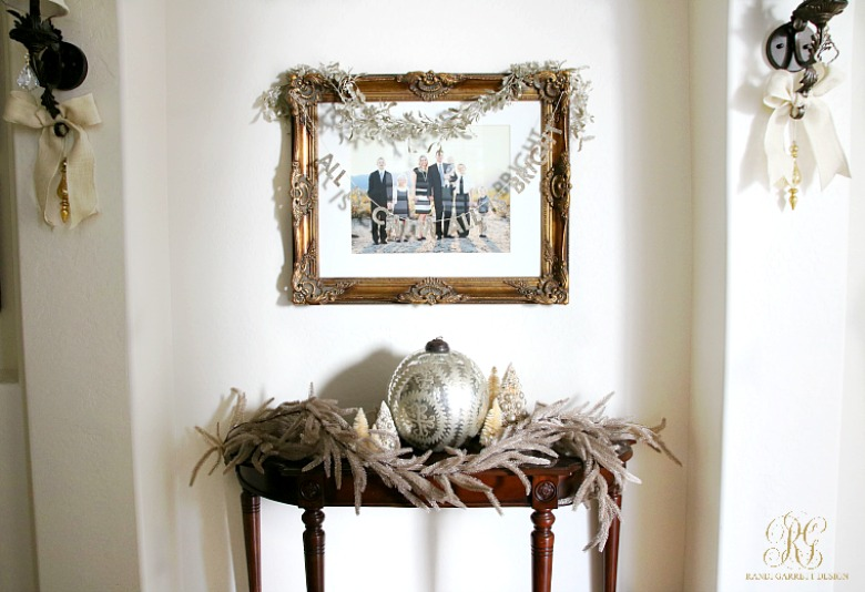 christmas-home-tour-entry-table-decorations