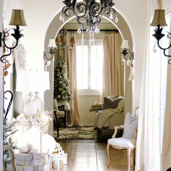 Elegant And Neutral Christmas Foyer: Deck The Halls Christmas Home Tour
