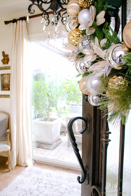 christmas-home-tour-front-door