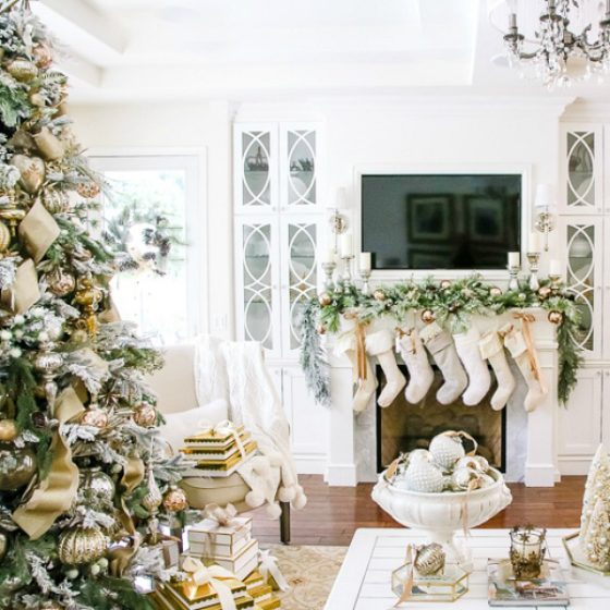 Deck the Halls Christmas Home Tour - Elegant Entryway
