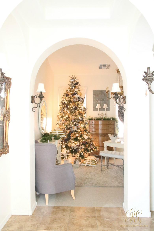 christmas-home-tour-gray-and-gold-christmas-tree