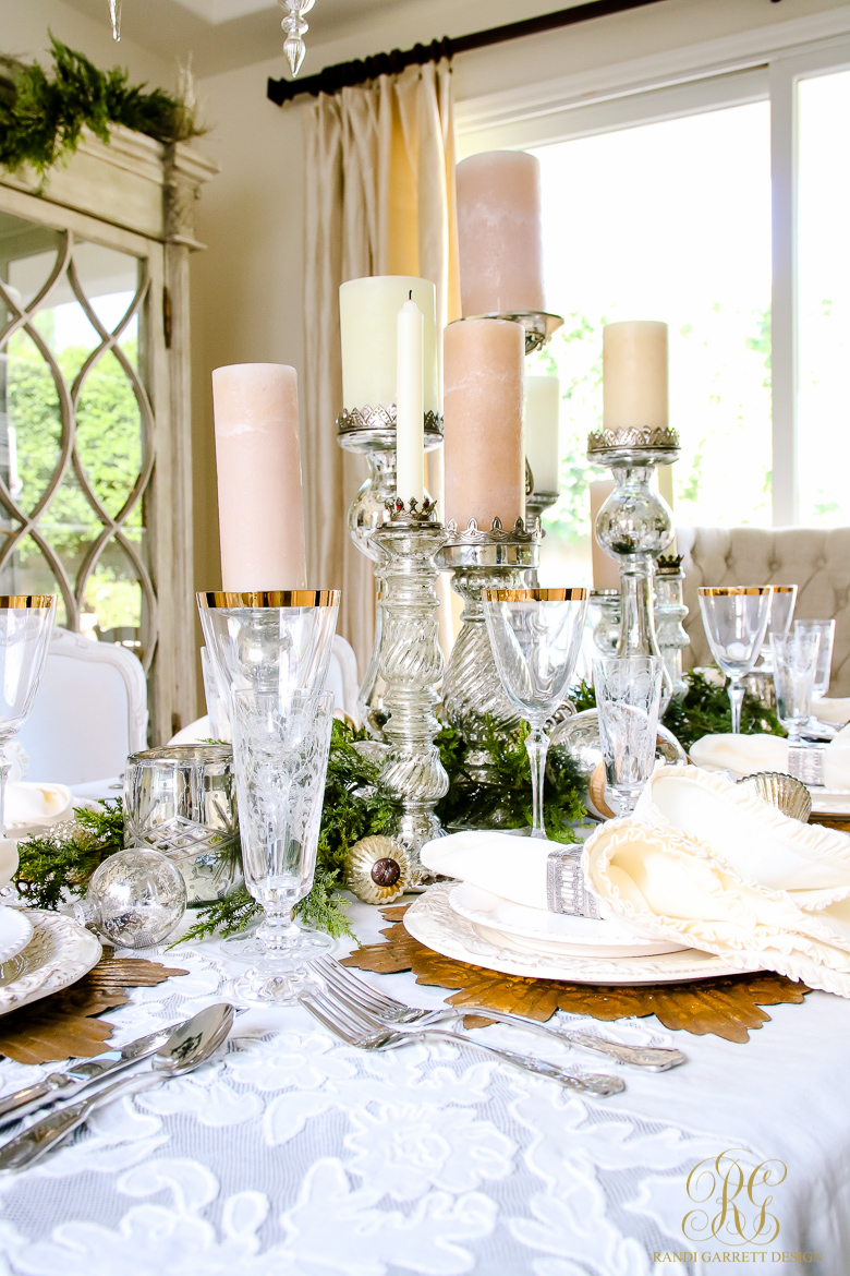 Elegant white and gold christmas dining room and table scape - White and gold room ...