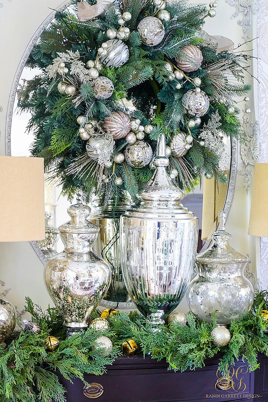 christmas-home-tour-elegant-dining-room-buffet