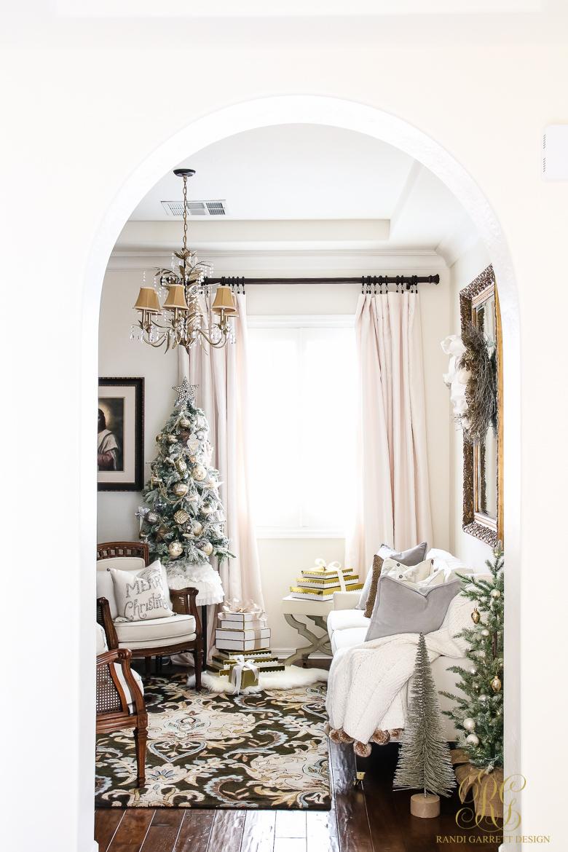 christmas-home-tour-elegant-office