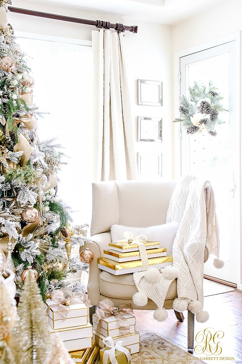 christmas-tour-wingback-chair-with-gifts
