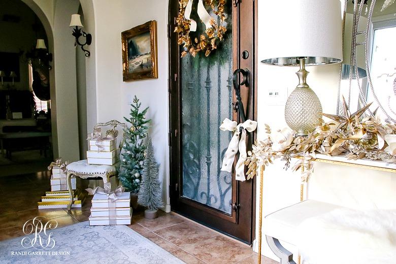 deck-the-halls-christmas-home-tour-elegant-christmas-entryway