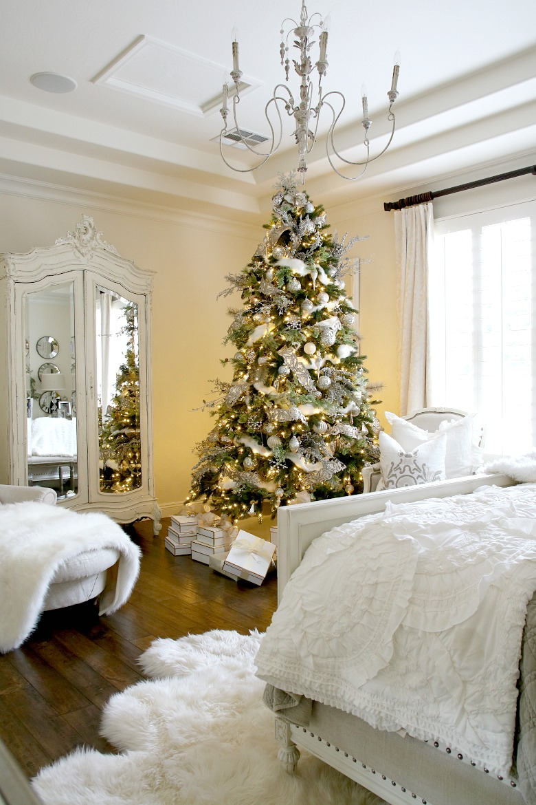 deck-the-halls-christmas-tour-elegant-white-christmas-tree