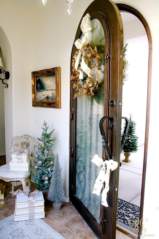 deck-the-halls-christmas-home-tour-front-door