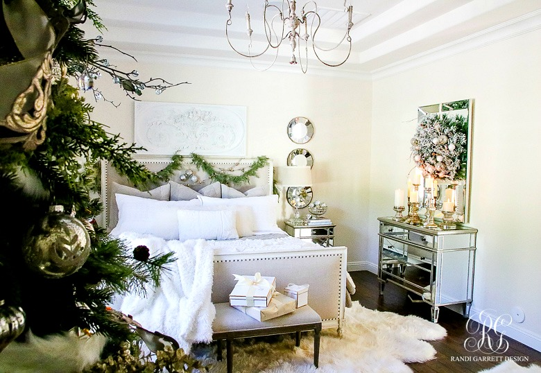 deck-the-halls-christmas-home-tour-master-bedroom