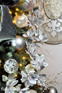 decor-gold-designs-christmas-tree