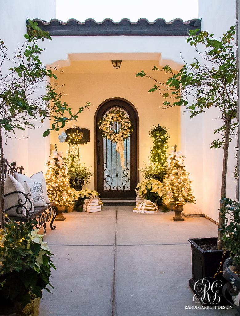 elegant-christmas-porch