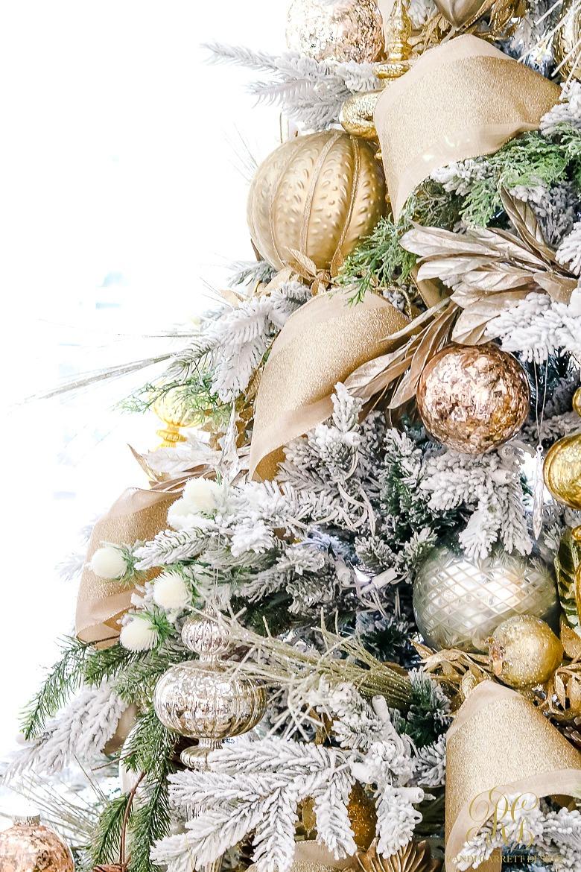 flocked-elegant-christmas-tree-details