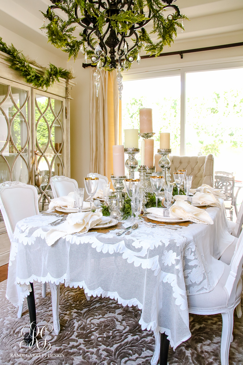 Lace tablecloth texture - White and gold room ...