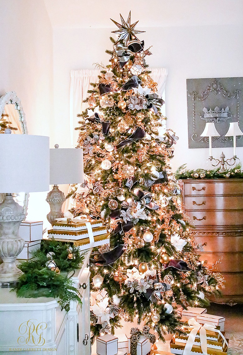 luxurious-gold-gray-white-christmas-tree