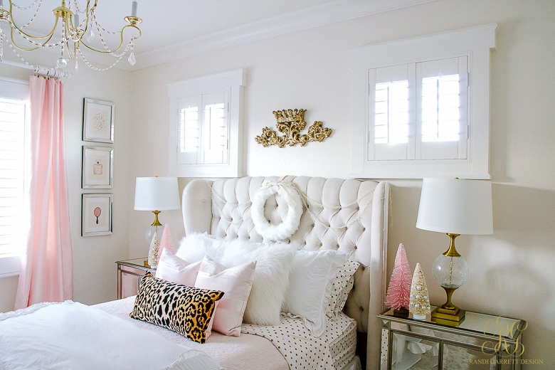 pink-and-gold-tween-bedroom-decorated-for-christmas