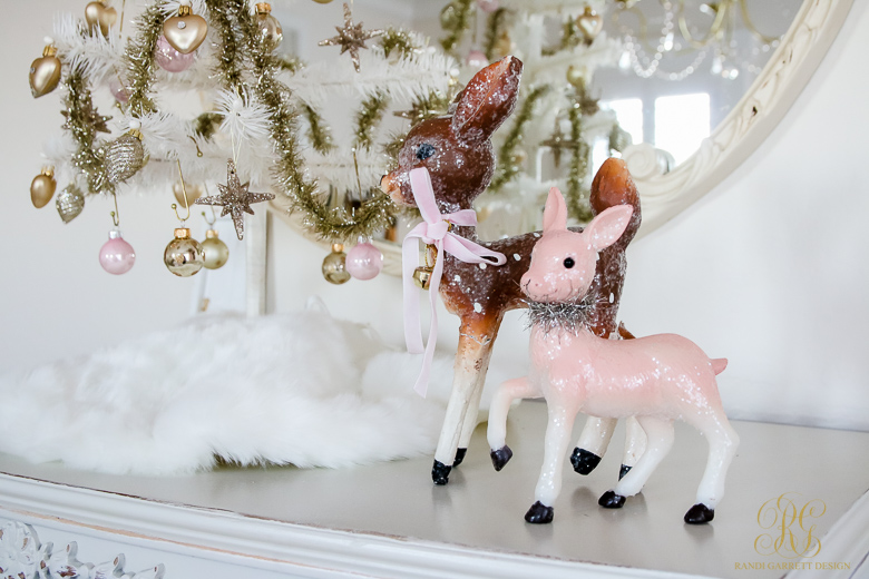 vintage-christmas-deers-vignette