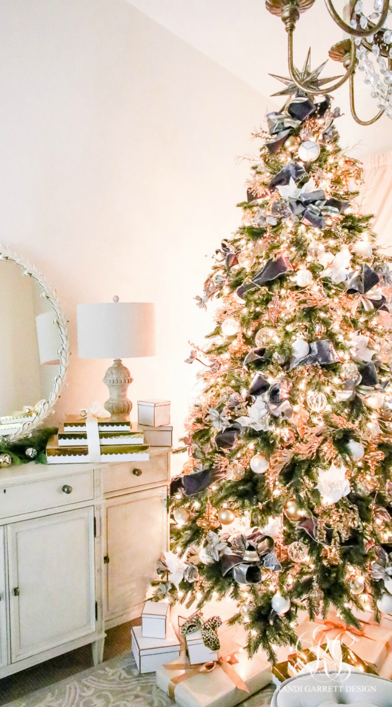 christmas-tree-with-gray-and-gold